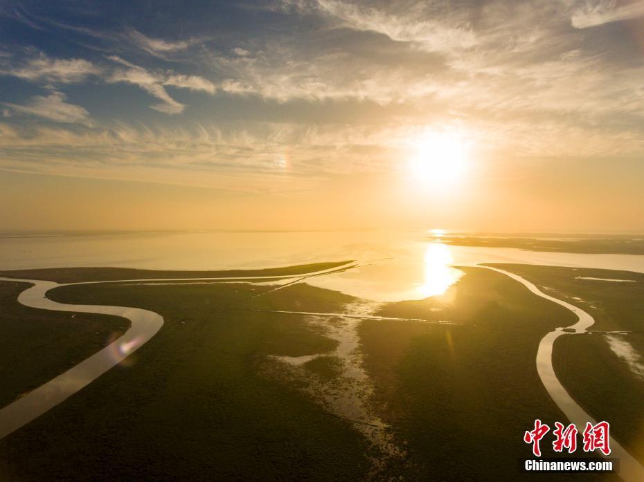 泽水困变泽风大过-鄱阳湖是中国第一大淡水湖为典型的季节性湖泊.11月28日航拍江...