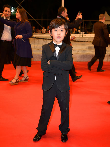 山东演员网_《灼痛》亮相戛纳电影节 山东小演员走上戛纳红毯