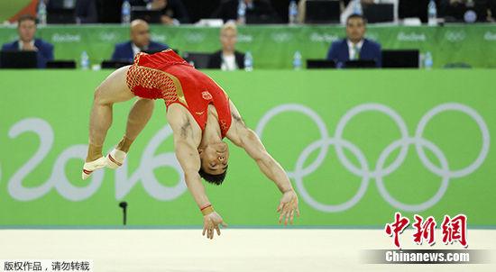 林超攀在自由体操比赛中。