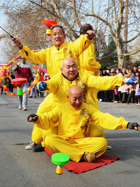 淄博博山民俗扮玩闹元宵 传统文化绽放异彩