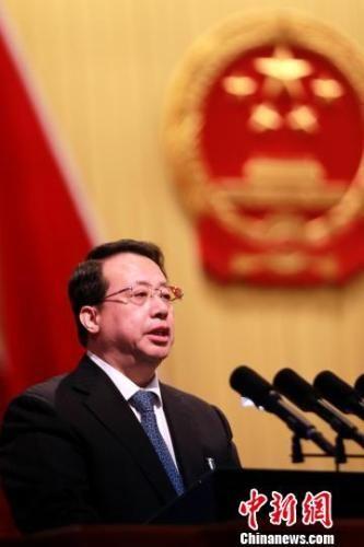 1月25日,山东省第十三届人大一次会议在济南召开,山东省长龚正作政府工作报告。 梁�� 摄