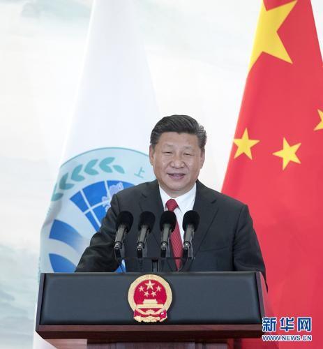 6月9日,国家主席习近平在青岛国际会议中心举行宴会,欢迎出席上海合作组织青岛峰会的外方领导人。这是习近平发表致辞。 新华社记者 谢环驰 摄