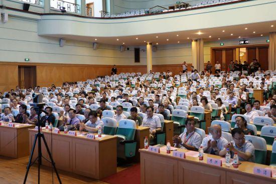 7月14日,中国抗癌协会泌尿男性生殖系统肿瘤分会前列腺癌专业委员会会议、苏豫皖鄂五省前列腺疾病先峰论坛在山东济南举行。