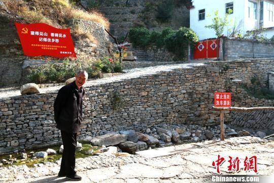 台风过境两个月后,在多方力量的抗灾减灾下,潍坊王坟镇上白洋村已重新恢复生机。 梁�� 摄