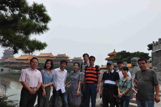 第二届大赛全家一起参赛的作者刘俊平全家福