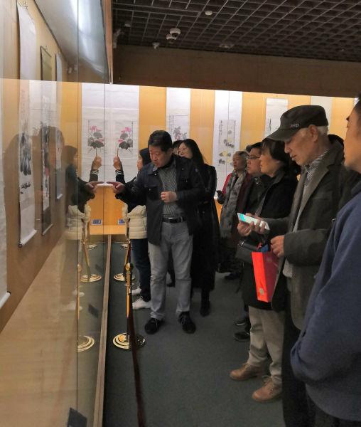齐白石百幅书画作品展吸引2万余人参观。郭伟 摄