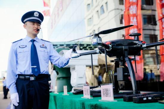 高科技助推边检勤务工作。