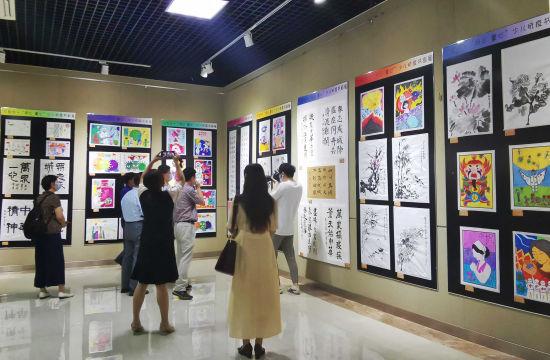 本次展览线下将在山东省文化馆持续举办至6月28日。赵晓 摄