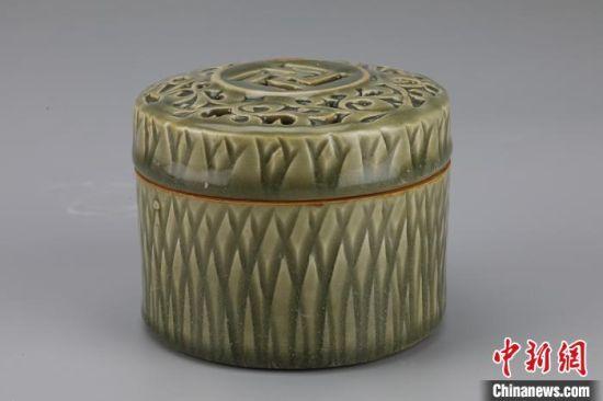 西安发现北宋孟氏家族墓地 出土罕见耀州窑青釉瓷器
