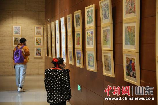 山东艺术考级青少年美术比赛作品亮相济南