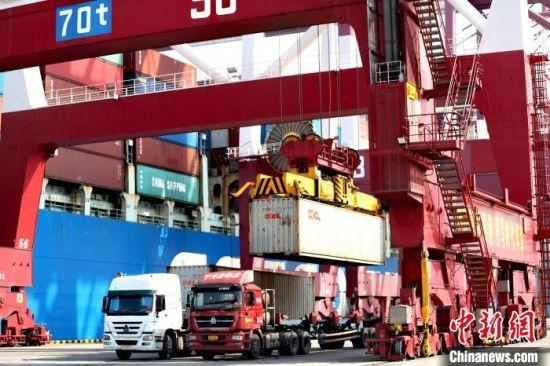 山东港口首季度货物和集装箱吞吐量双双增长创新高
