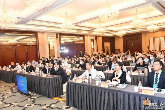 本届论坛创2016年举办以来参会学者和分论坛规模新高